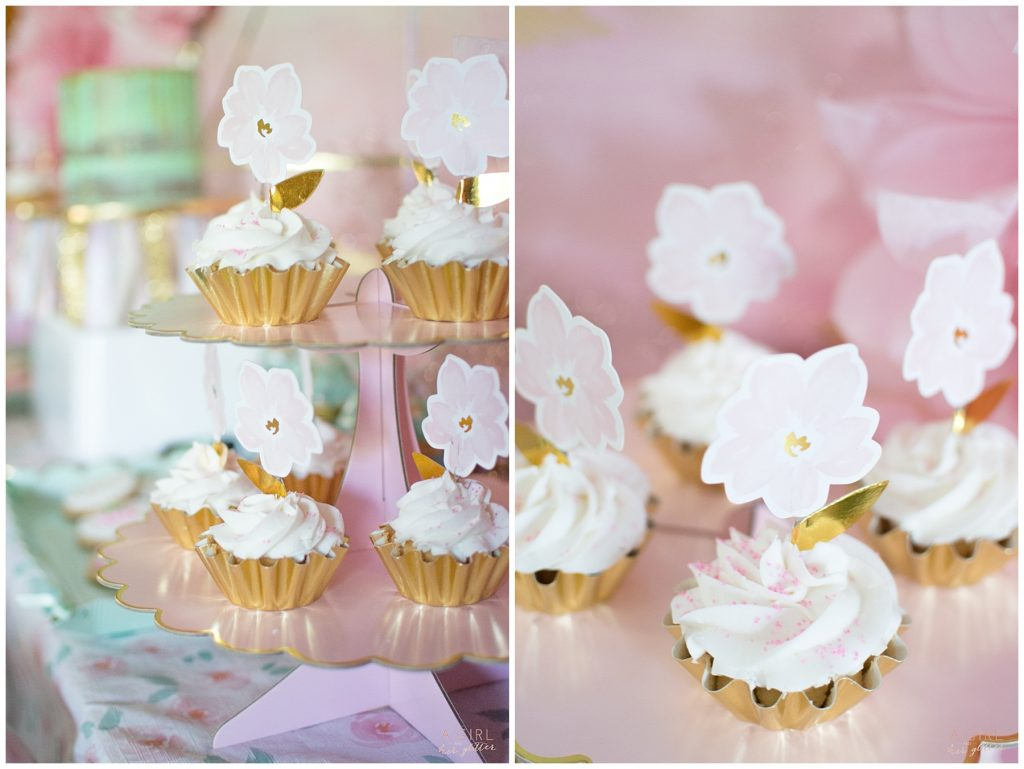 blush and gold cupcakes