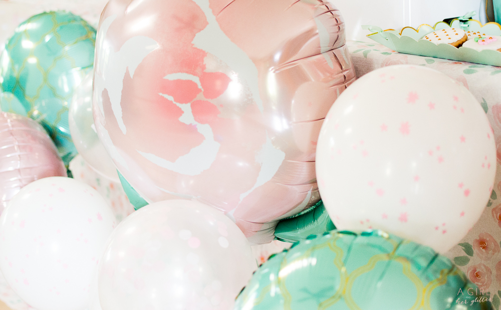Blush and mint balloons